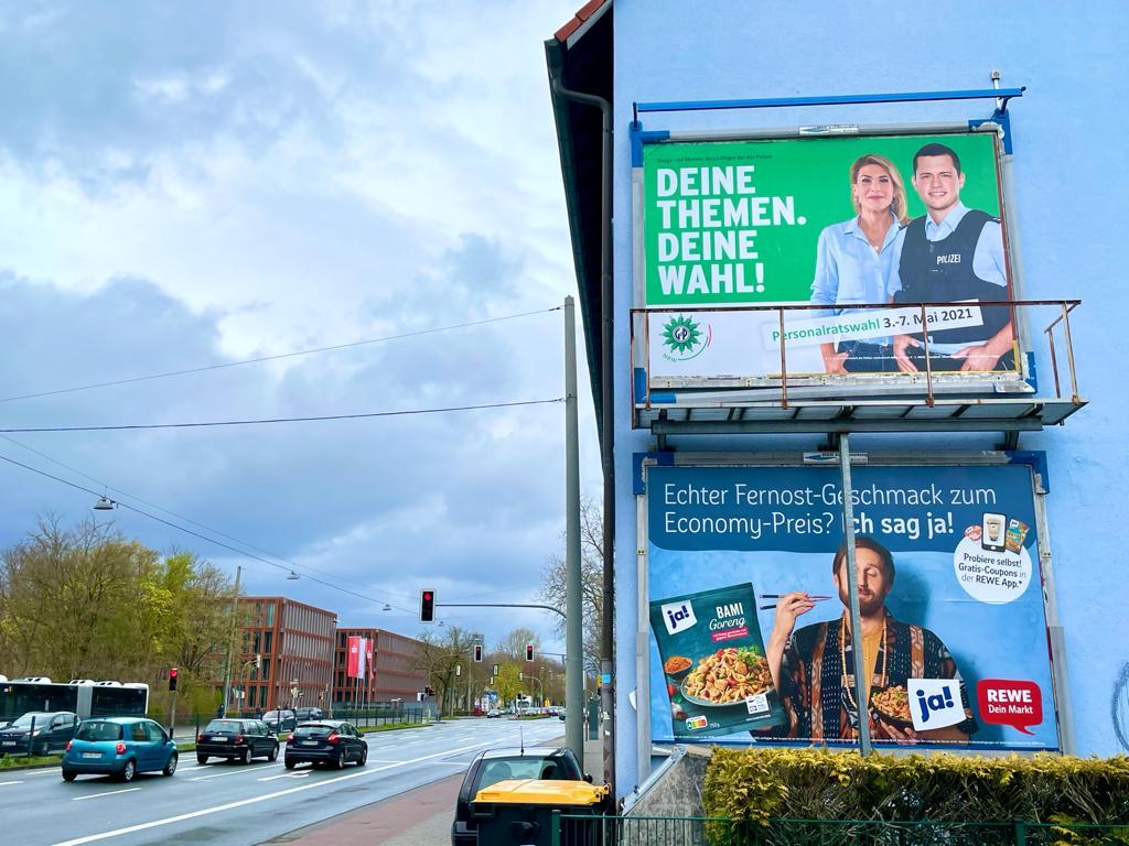 Bild des Wahlplakates Tankstelle